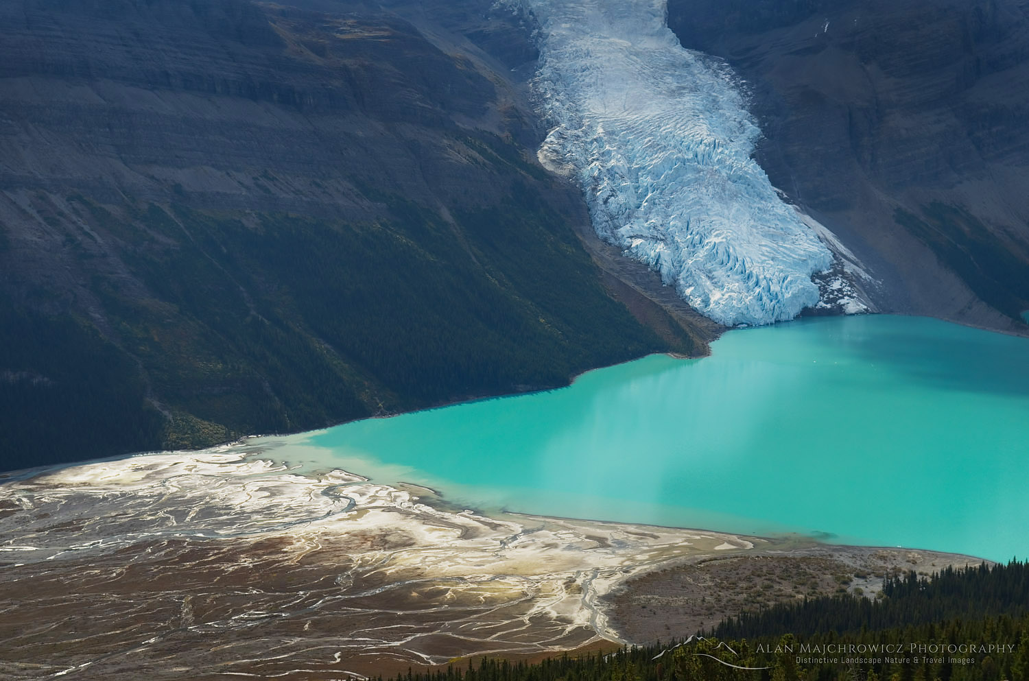 Berg Lake, Mount Robson Provincial Park